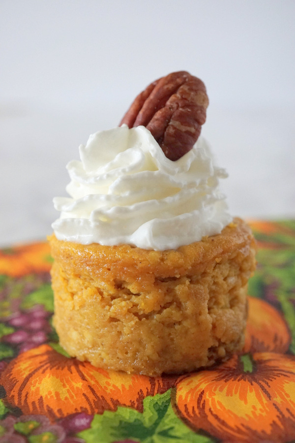 Mini Pumpkin Cheesecakes with Gingersnap Cookie Crust
