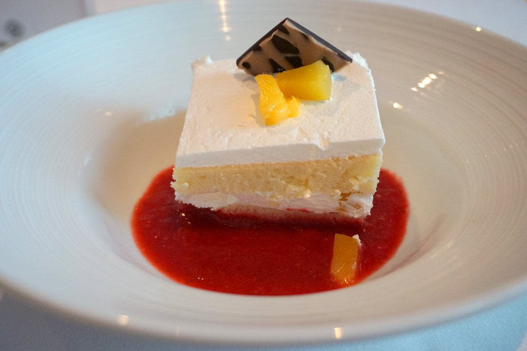 Oasis of the Seas Dining Dessert 2