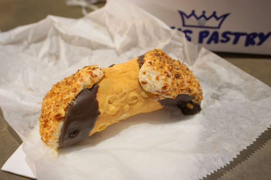 Boston Mike's Pastry Cannoli