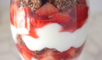 Strawberry Chocolate Yogurt Parfait